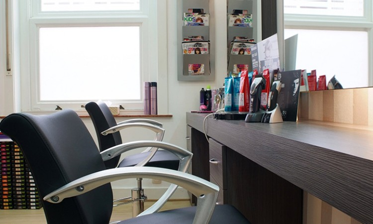 At home or at the hair salon, you'll feel at home